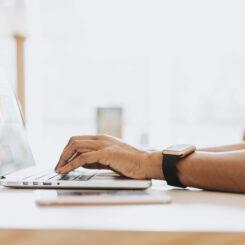 Mengenal Lebih Dalam Kelebihan dan Kekurangan Bisnis Online